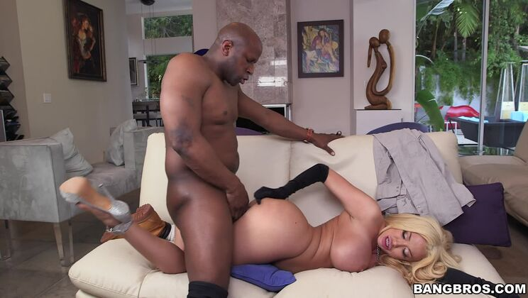 Summer Brielle Orgasms on A Monster Cock!