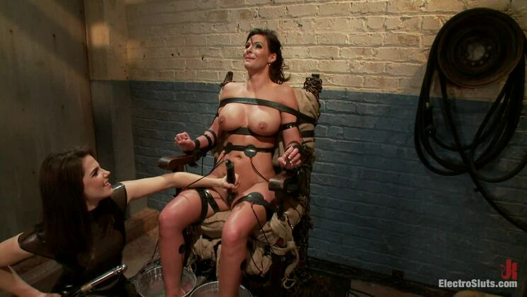 Phoenix Marie Suffers to an Electric Chair